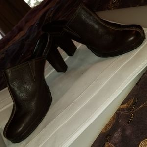 Enzo Angiolini Brown 3 1/2-4 in slip on mules